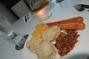 Raspeballer, Kålrabistappe, Tempeh-bacon og Seitan pølser